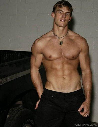 http://www.celebs101.com/gallery/Alan_Ritchson/291569/Alan_Ritchson_Picture.jpg