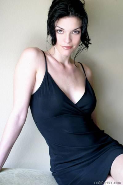 Alana De La Garza sexy
