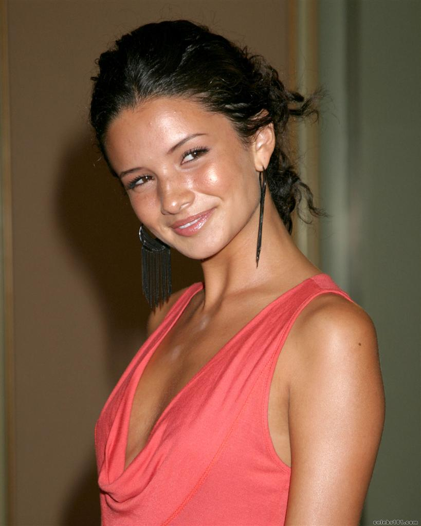 Alice Greczyn Picture