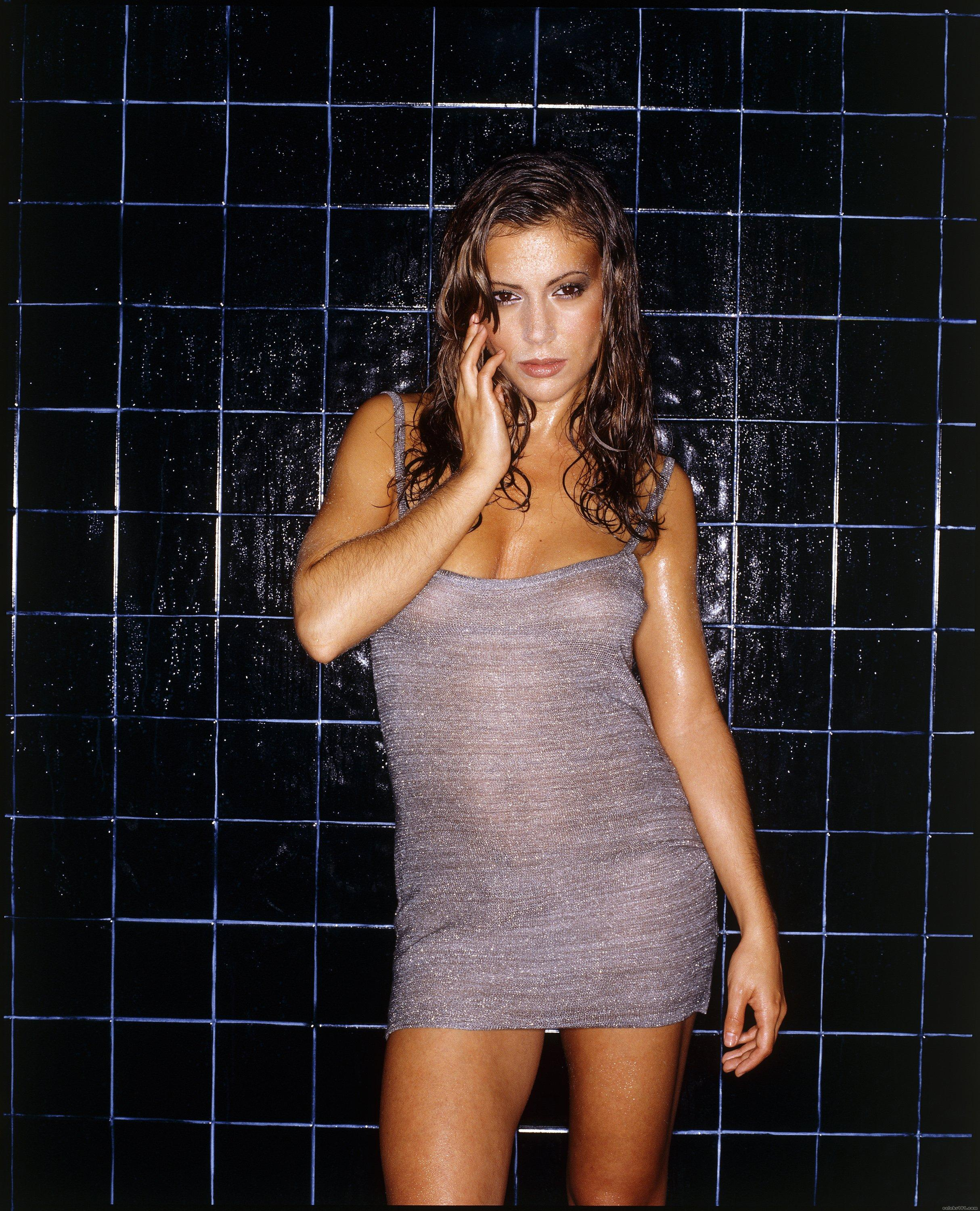 Alyssa Milano - High quality image size 2428x3000 of Alyssa Milano (