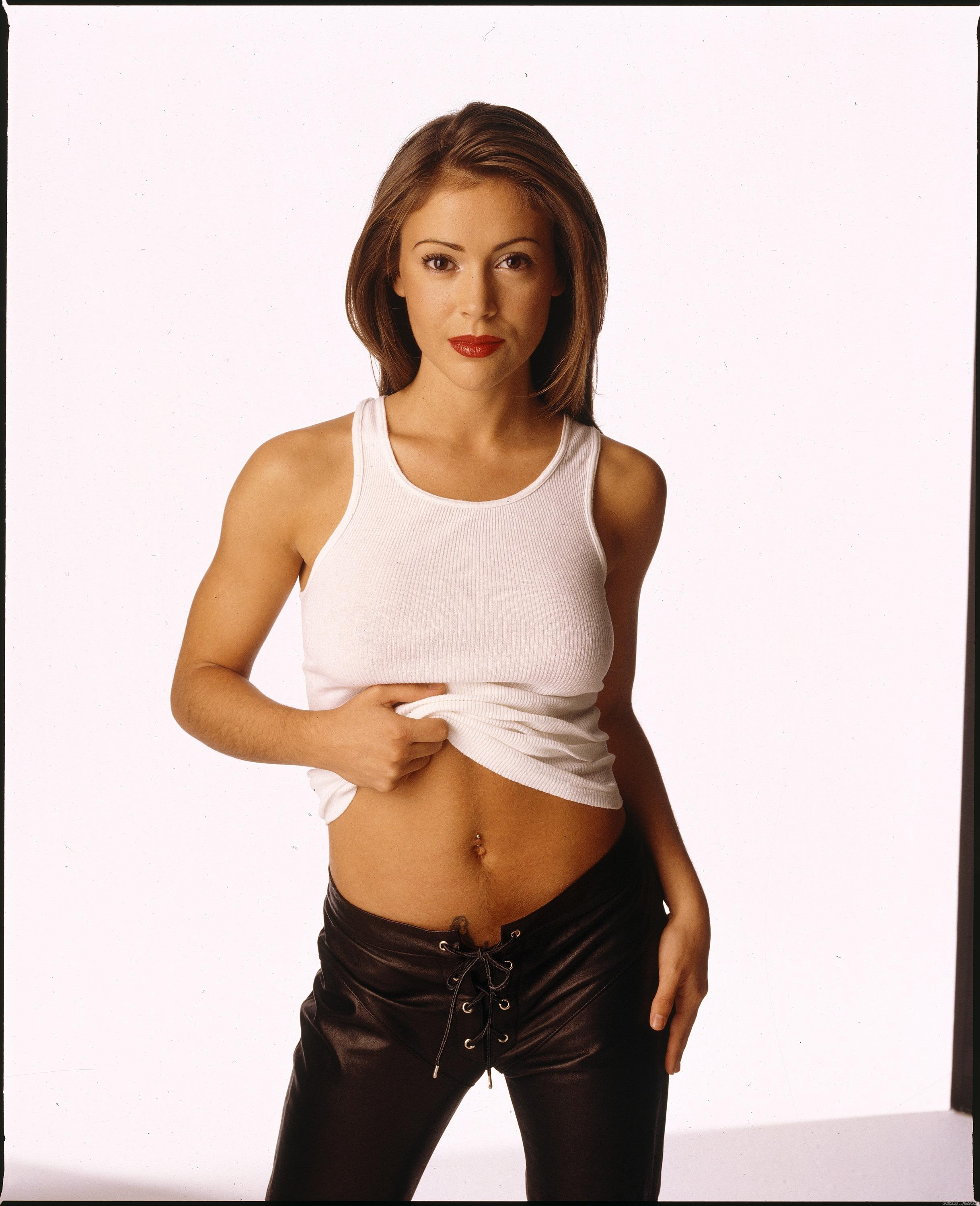 Alyssa Milano - High quality image size 2437x3000 of Alyssa Milano (