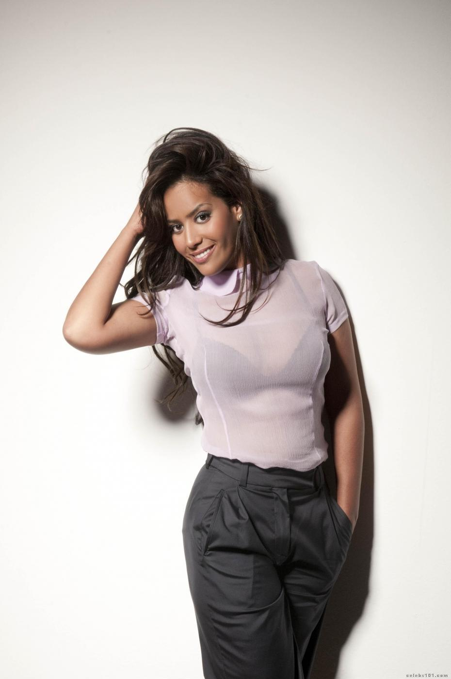 Amel Bent - High quality image size 930x1400 of Amel Bent ...