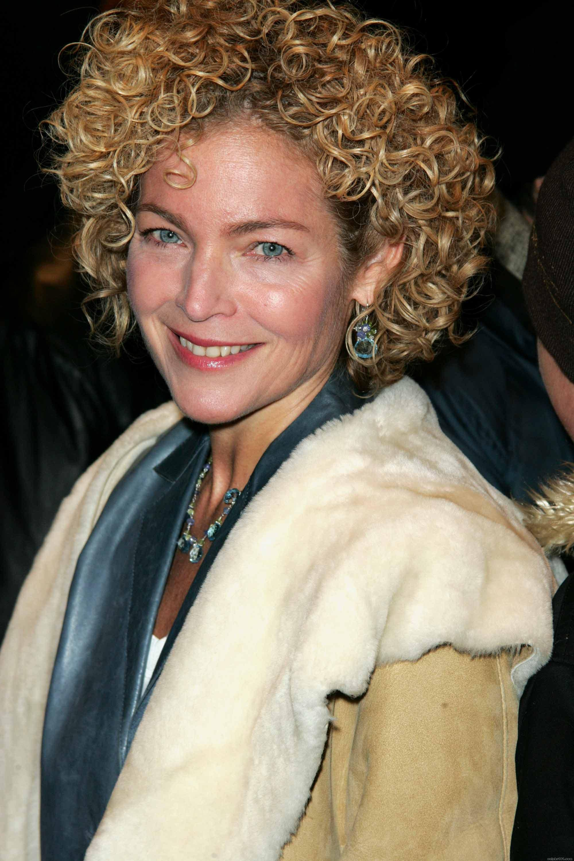 Great Hair On Over 40 Person Amy Irving Curltalk