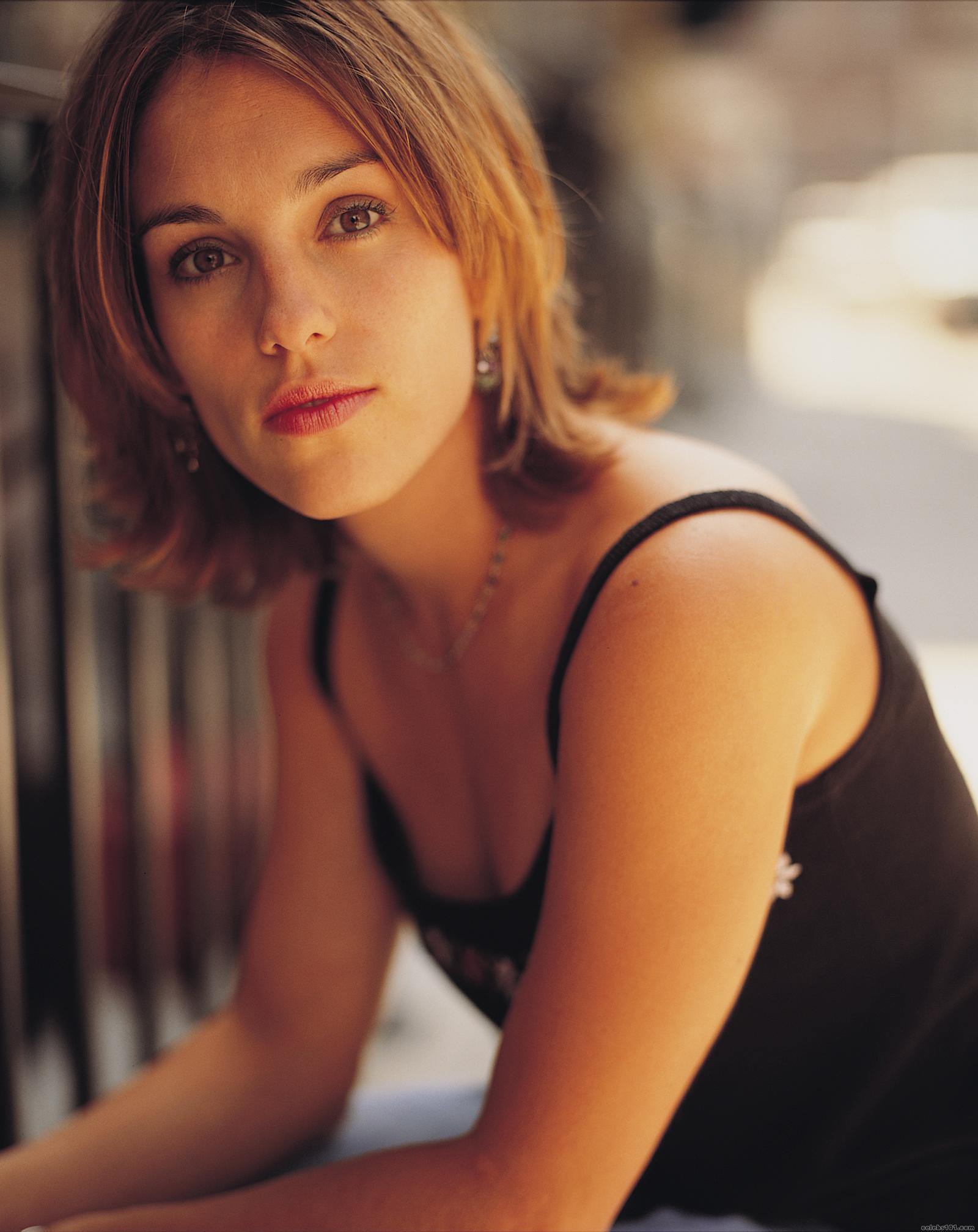 Amy jo johnson anal