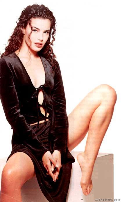 http://www.celebs101.com/gallery/Ana_Paula_Arosio/9358/ana_paula_arosio_photo_9.jpg