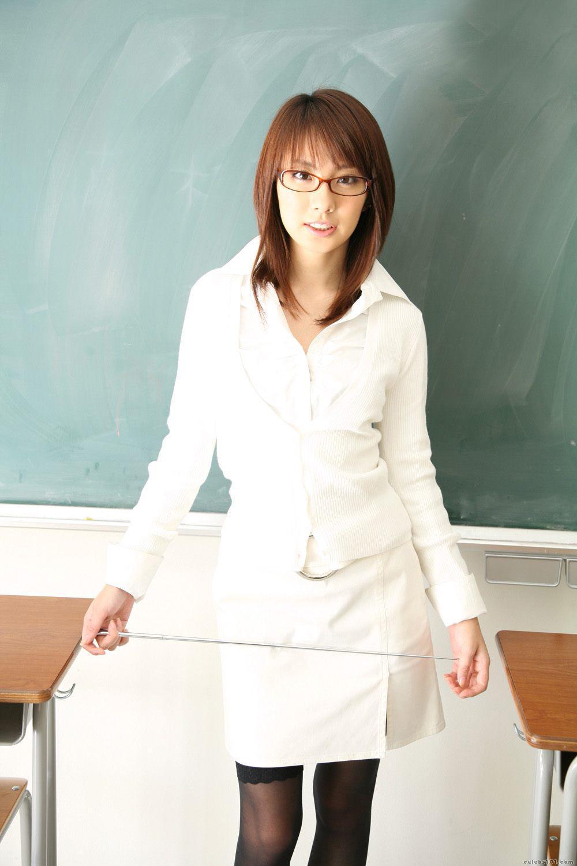 Японские училки в колготках 12 фотография