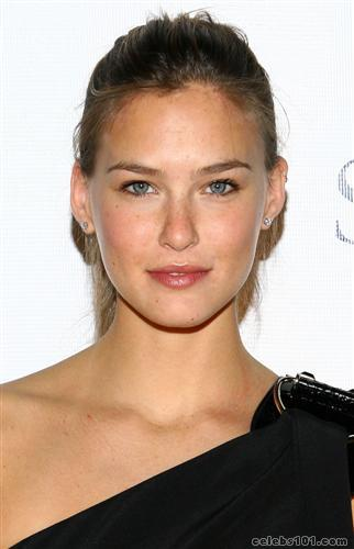 bar refaeli wallpaper widescreen. Bar Refaeli Wallpapers Pack