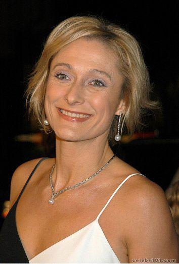 Caroline Goodall - Images Gallery