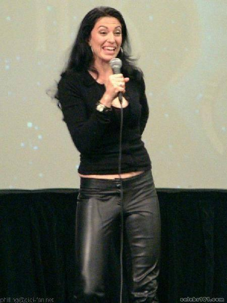 Claudia Black - Picture Colection