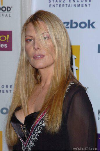 Deborah Kara Unger - Picture