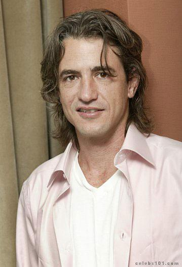 Dermot Mulroney Photos