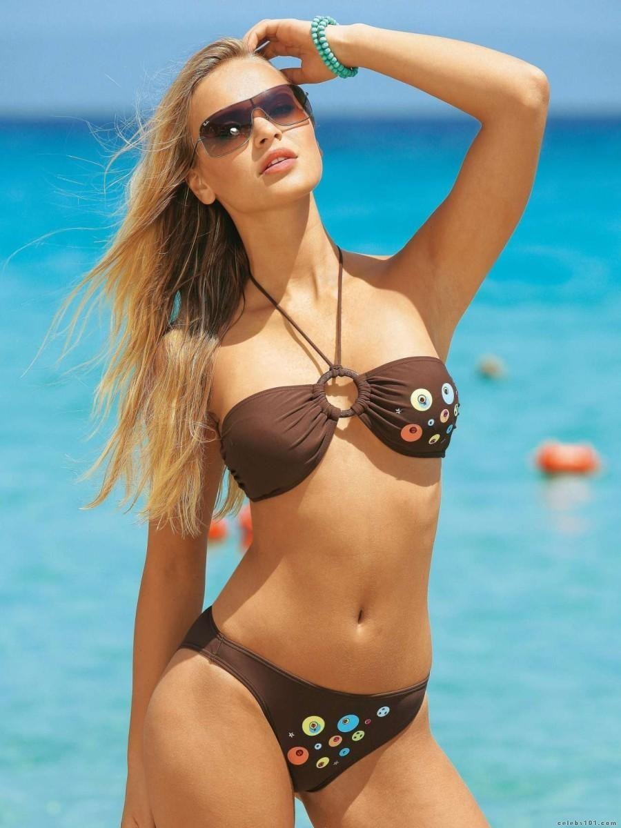 hot bikini chick
