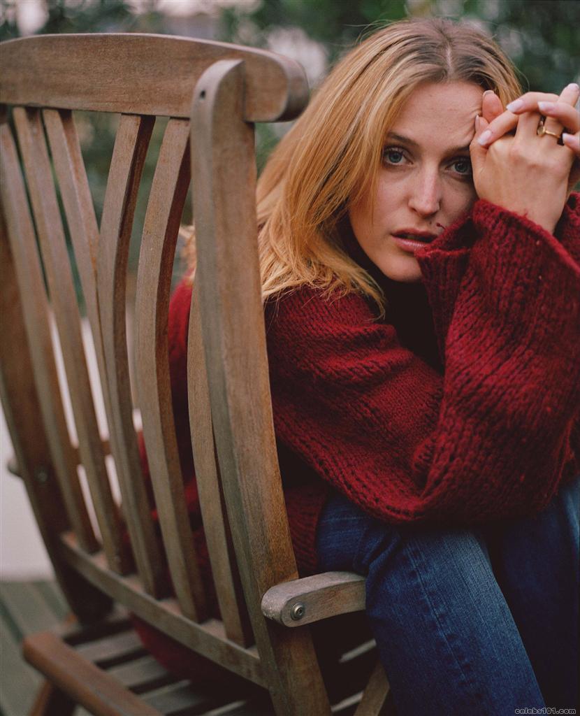 Gillian Anderson Pictu...