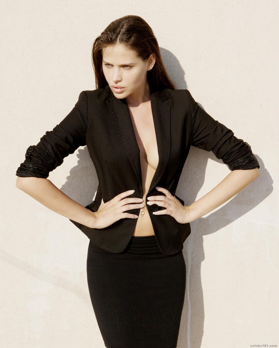 Hana Nitsche Images - Hana Nitsche Models Photo - Celebs101.com