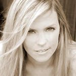 Ingrid Kavelaars biography, photos and wallpapers ...