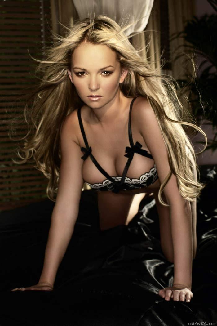 Jennifer Ellison-Lingerie Photoshoot 05Leah Schneider