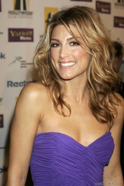 9 Seed Jennifer Espositospin City Samantha Who Was Also In The Tv Shows Related Rescue Me And Judging Amy Was Also In The Movies Summer Of Sam