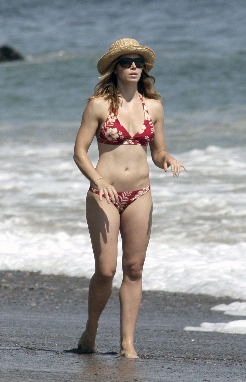 j-biel-bikini-1-29