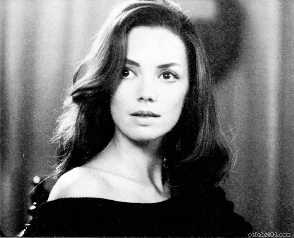 Joanne Whalley - New Photos
