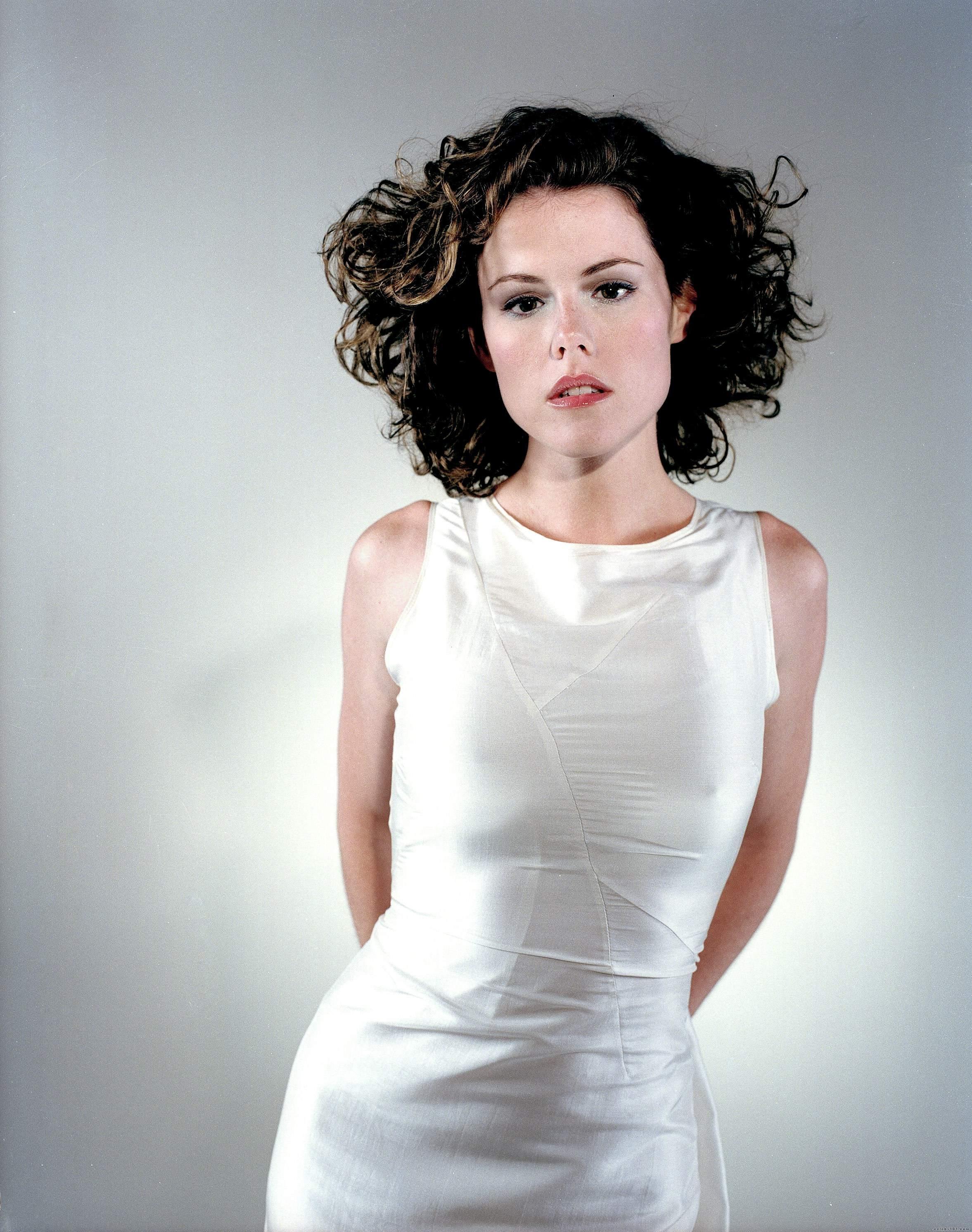 Kathleen Robertson - Wallpaper Actress