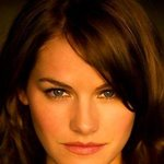 Kelly Overton Picture