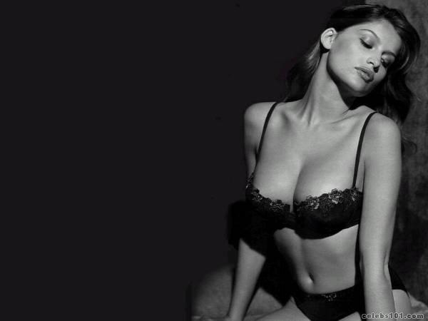 laetitia casta hot hots. laetitia casta photos.