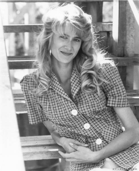 Laura Dern - High quality image size 487x600 of laura dern photo 14