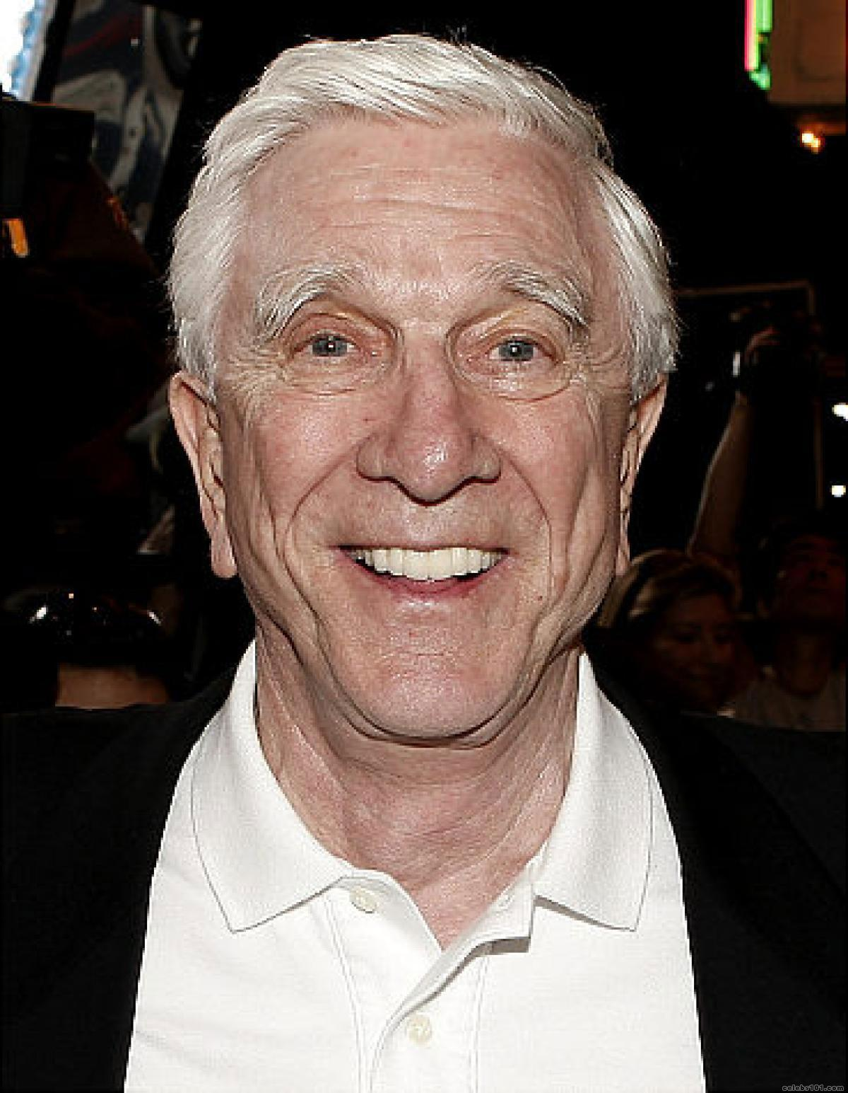 Leslie Nielsen - High quality image size 1200x1545 of ...