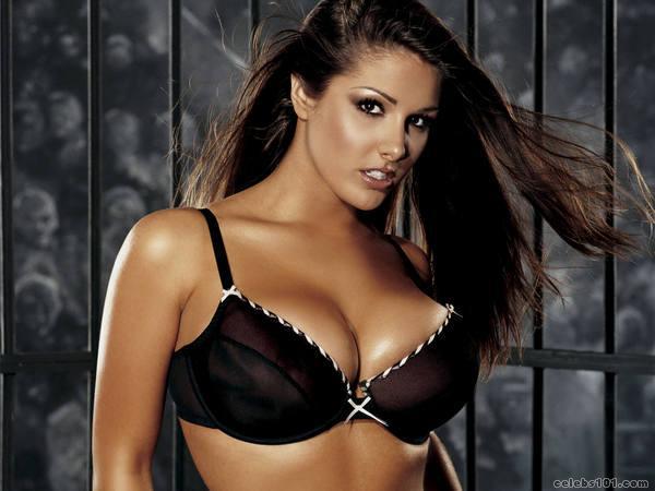фото красивой женщины см большой грудью
