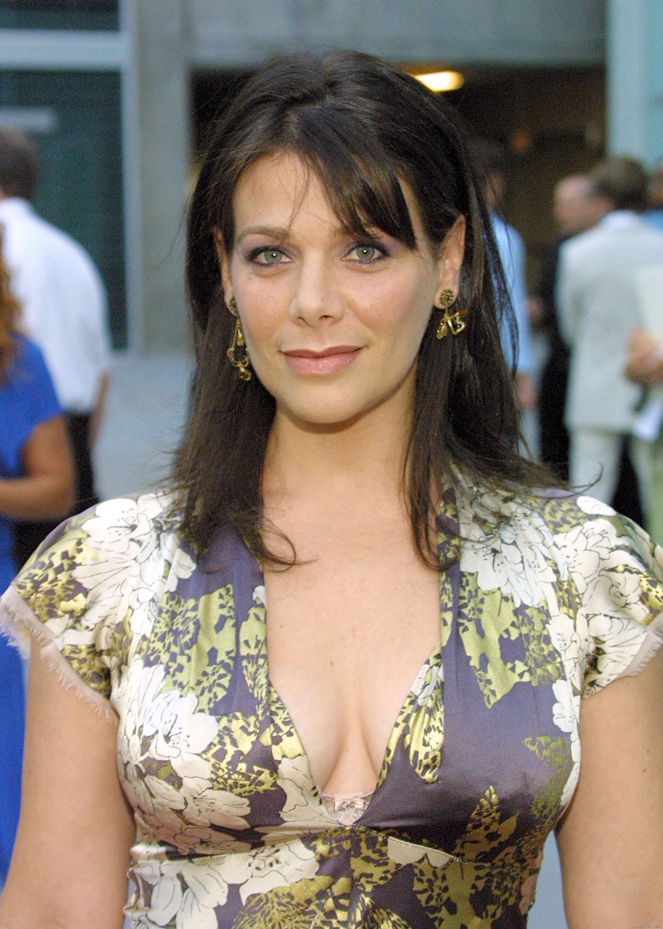 Meredith Salenger - High Quality Image Size 2140x3000 Of 27788