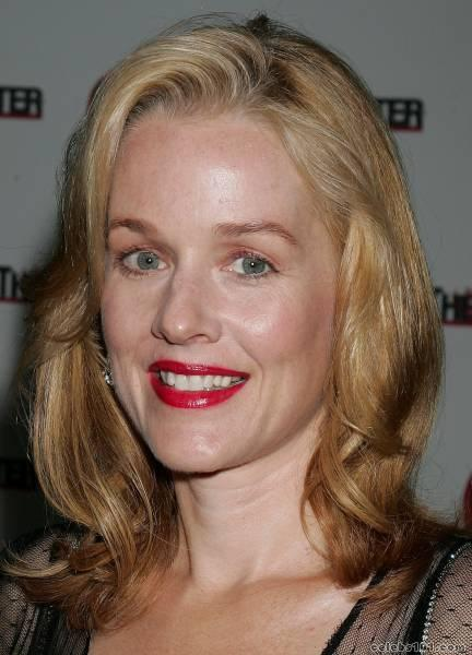 Penelope Ann Miller - Photos Hot