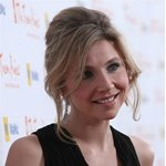 Sarah Chalke Picture