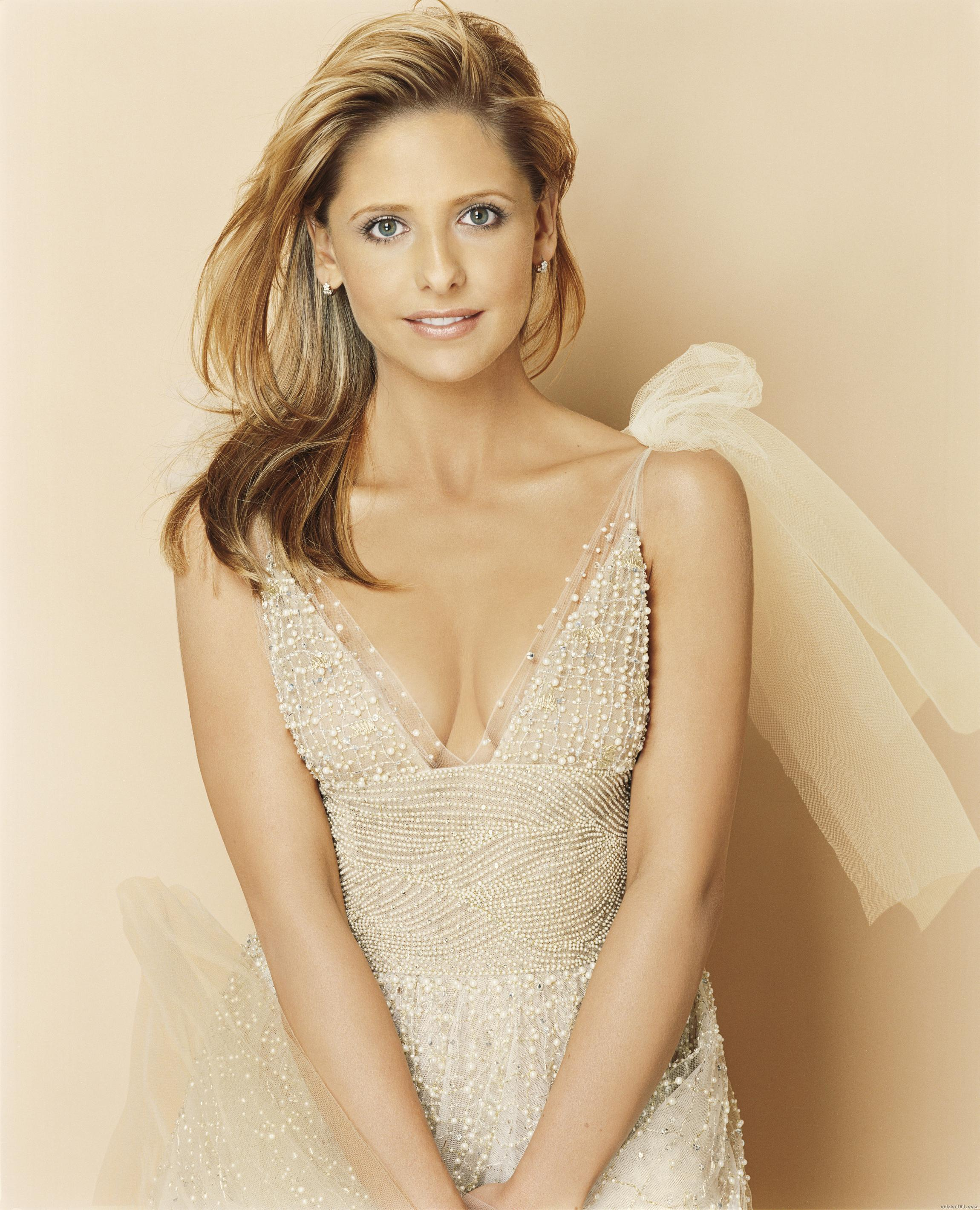 Sarah michelle gellar nude fakes photo 100
