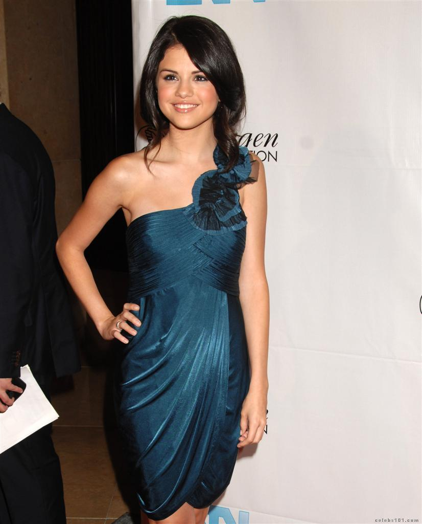 selena gomez real cell - photo #17