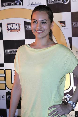 Sonakshi Sinha to lose weight for item song in Joker FilmiTadka