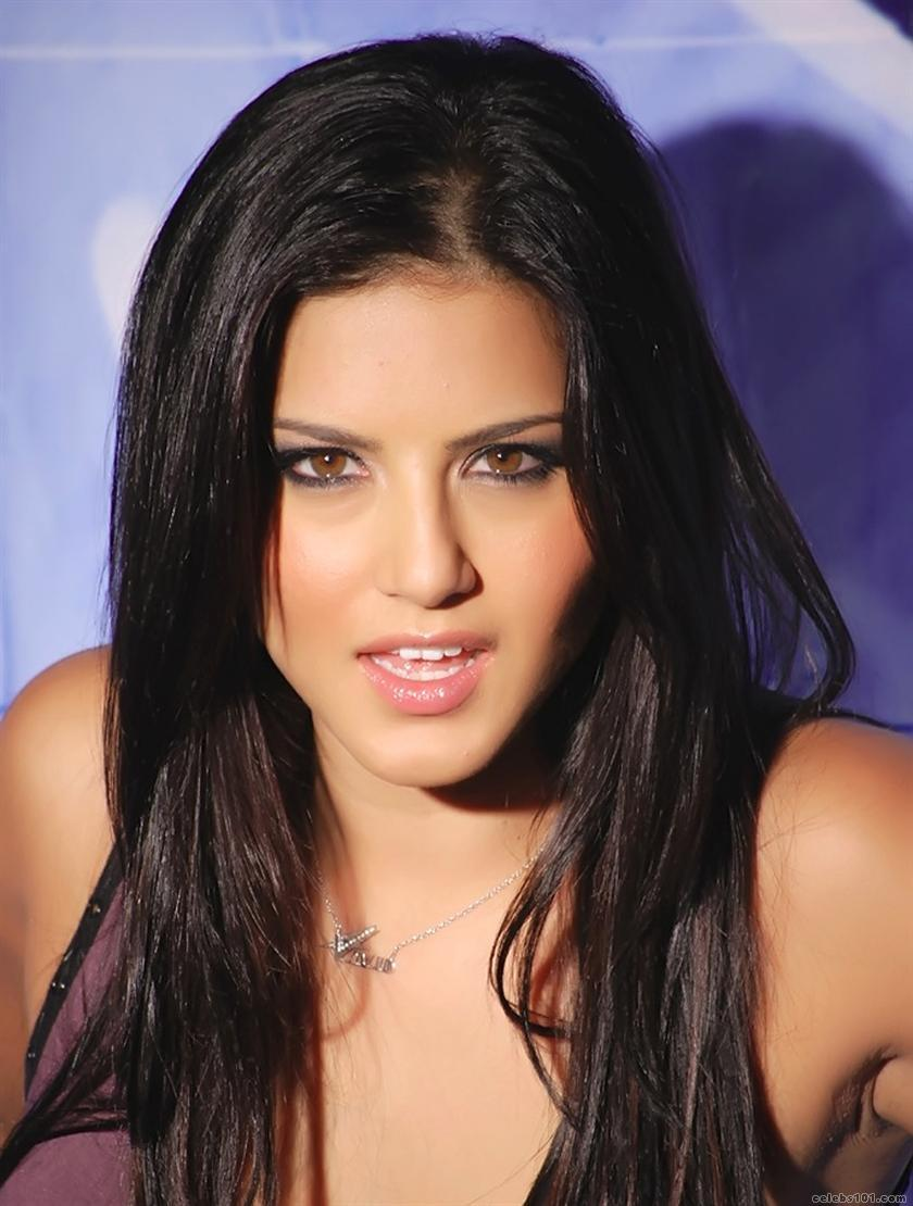 http://www.celebs101.com/gallery/Sunny_Leone/239324/Sunny_Leone_Picture.jpg