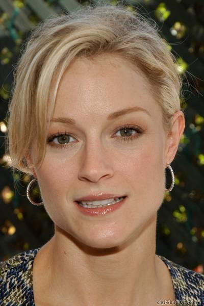 teri polo photo 1 Nude Pageant Girl Tiara. Nude picture of a young girl wearing a tiara.