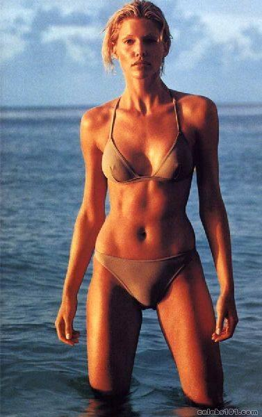 tricia helfer photo 20