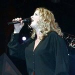 Trisha Yearwood Biography Photos And Wallpapers Singers