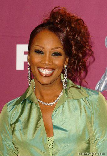 Yolanda Adams Photos