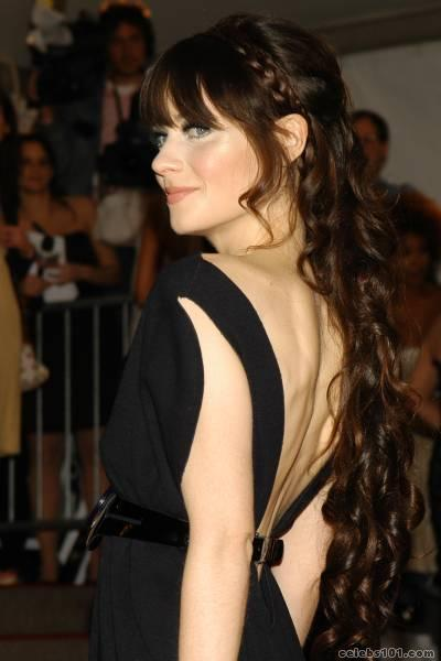 http://www.celebs101.com/gallery/Zooey_Deschanel/102951/zooey_deschanel_photo_15.jpg