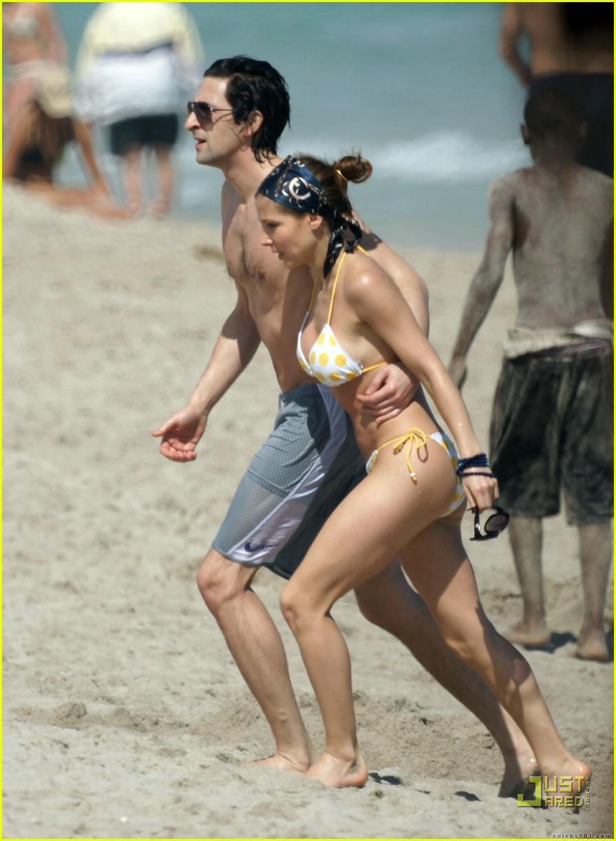 FOTOS DE CELÉBRIT... Adrien Brody Castle