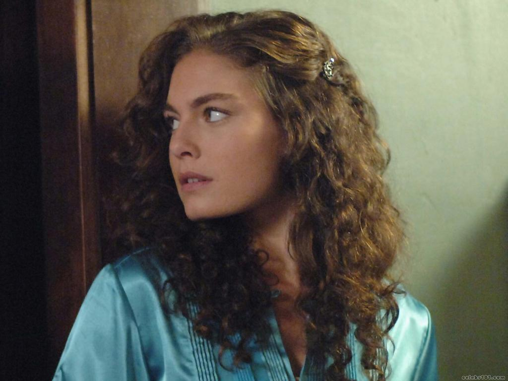 Alexa Davalos - Picture Colection