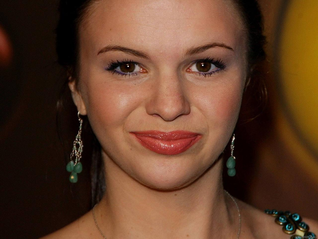 Naked Pics Of Amber Tamblyn Naked Pics Of Amber Tamblyn