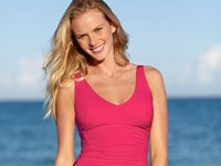 Anne Vyalitsyna Wallpaper