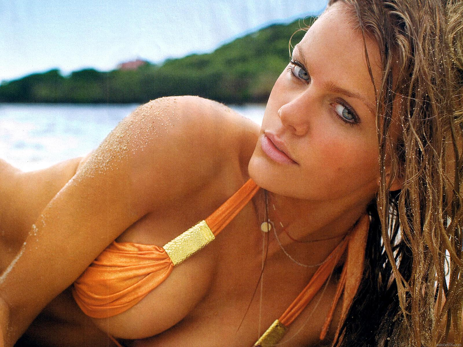 Brooklyn Decker Has a Serious Thing for Gisele