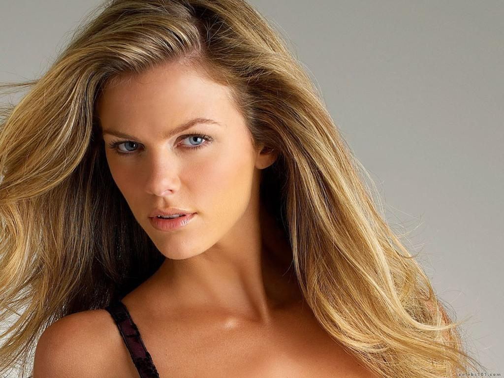 Brooklyn Decker High q... Brooklyn Decker Images