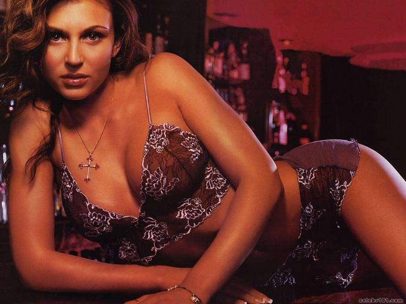 Cerina Vincent - Gallery Photo