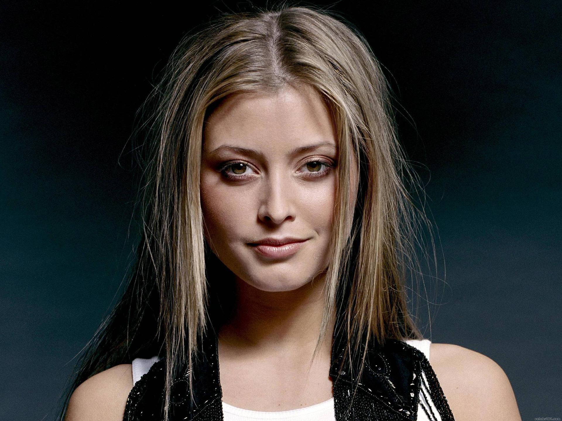Holly Valance Doa