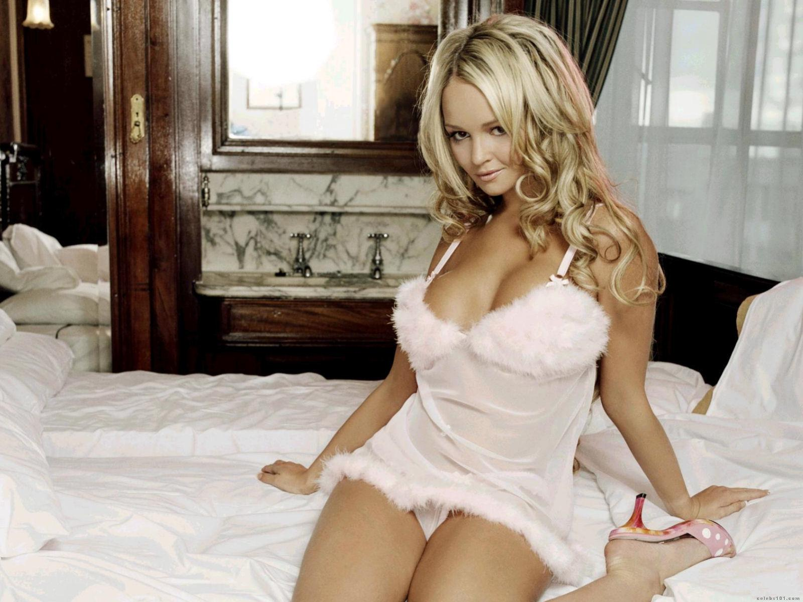 http://www.celebs101.com/wallpapers/Jennifer_Ellison/190777/Jennifer_Ellison__4.jpg